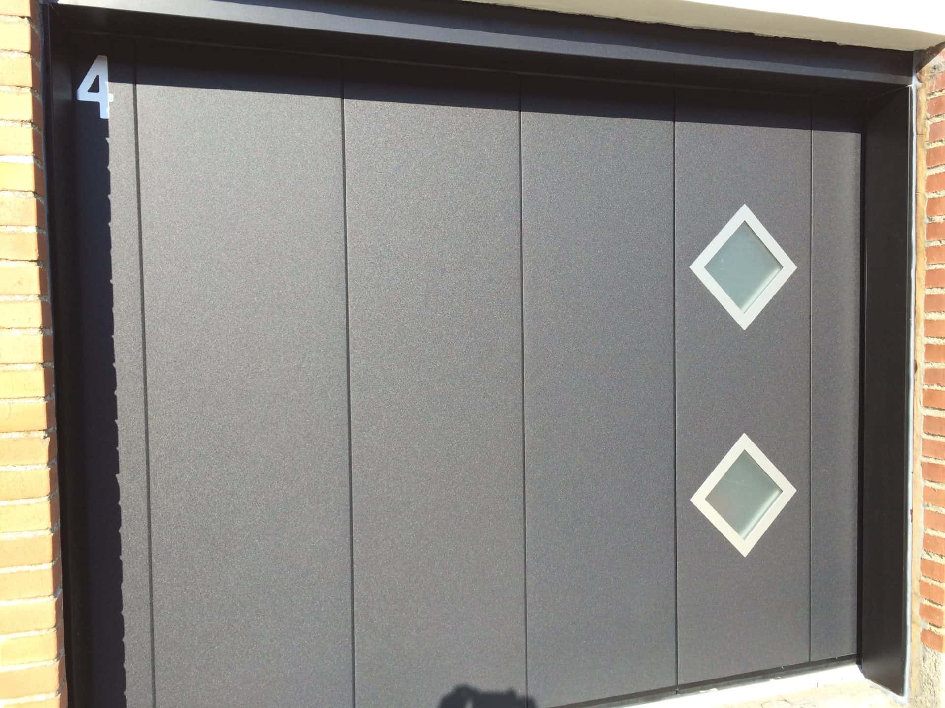 Porte de garage design Fermetures Must