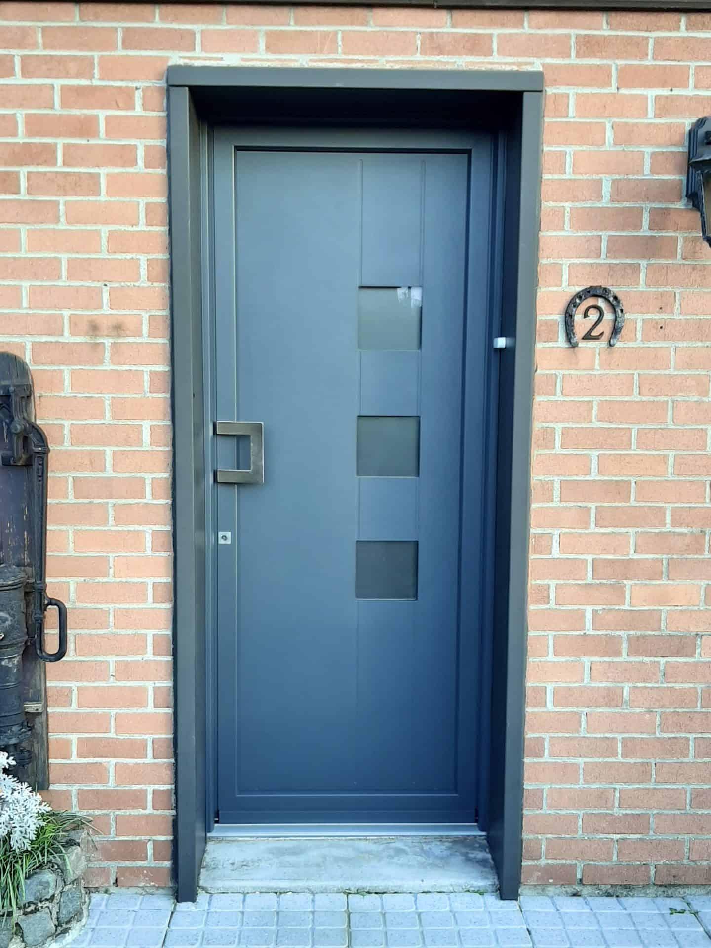 Pose de porte d'entrée sur Denain