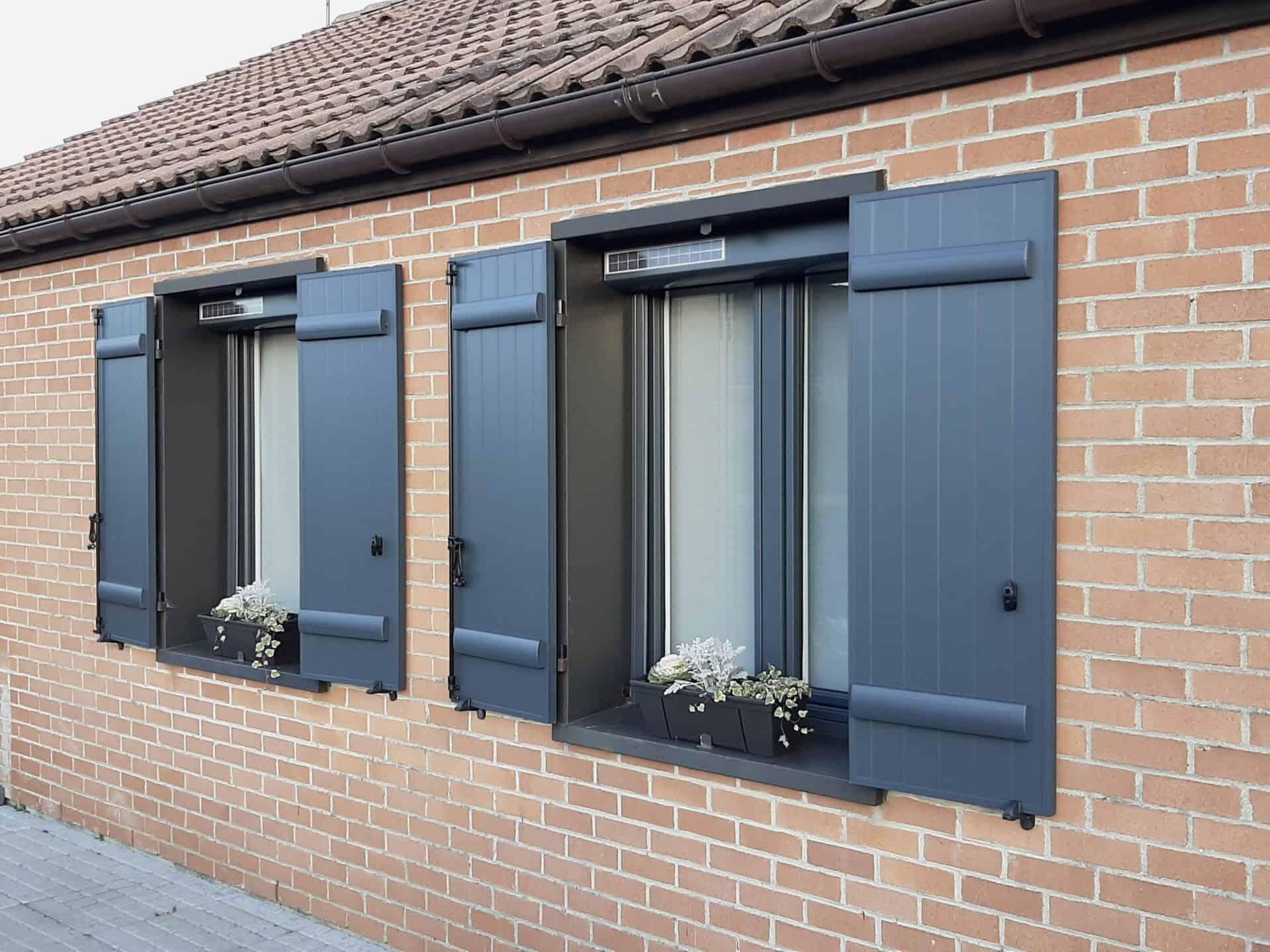 Volets battants et fenêtres Fermetures Must